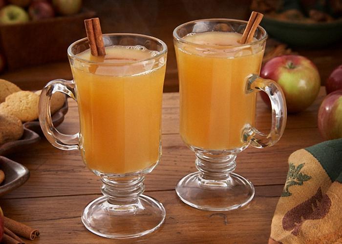 Домашний сидр из свежих яблок пить охлажденным