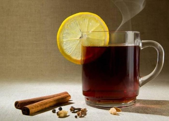 Грог из черного чая и водки пить горячим