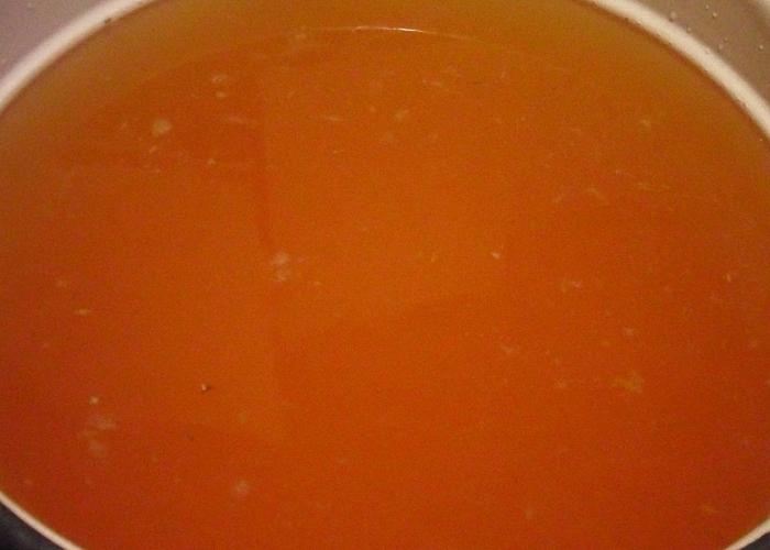 Приготовить из яблок сок