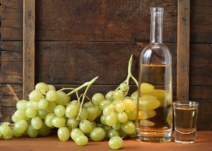 Домашняя чача из винограда