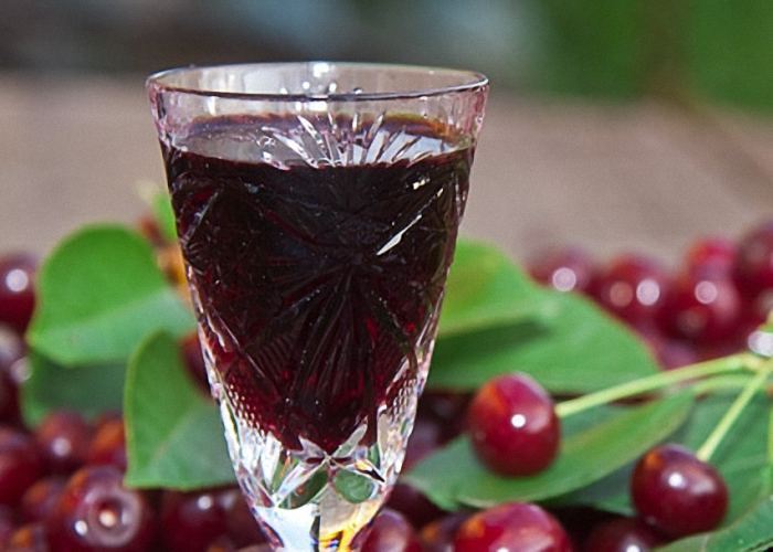 Настойка на спирту с вишней в домашних условиях рецепт