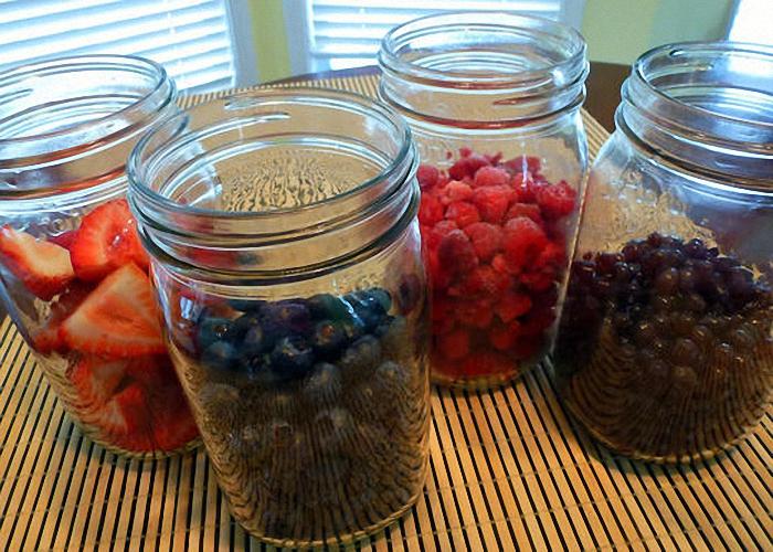 Подготавливаем малину смородину крыжовник и другие ягоды