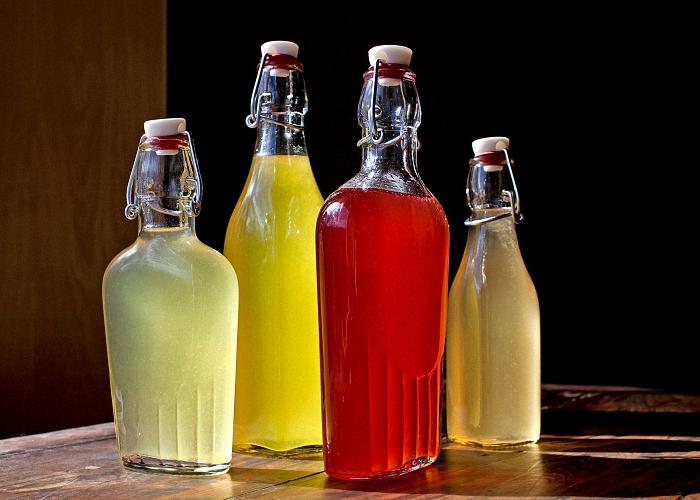 Вино ассорти из смеси ягодных соков