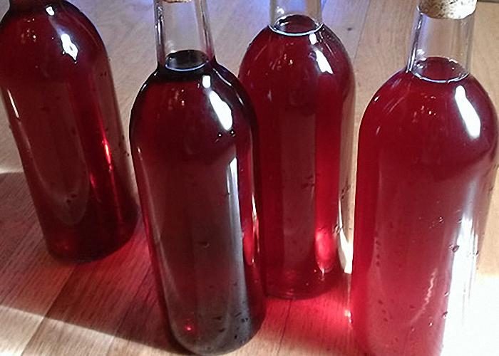 Вино из ежевики с медом выдержать 15 суток