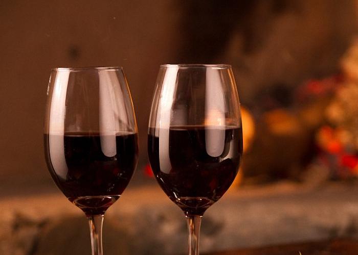 Вино из забродившей черной смородины