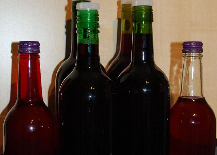 Вино поставить в прохладное место