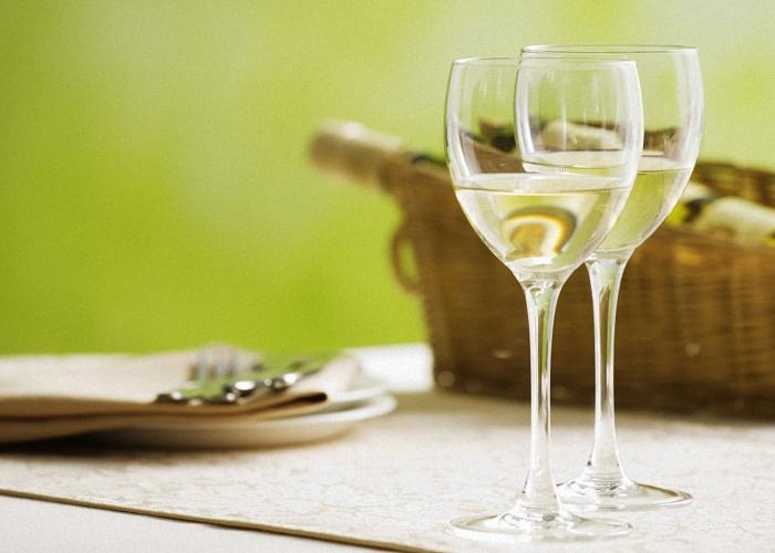 Белое сухое вино из облепихи