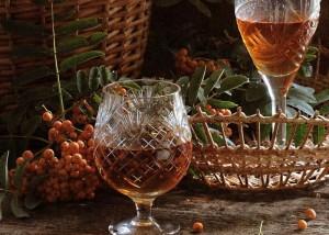 Домашнее вино из ягод рябины