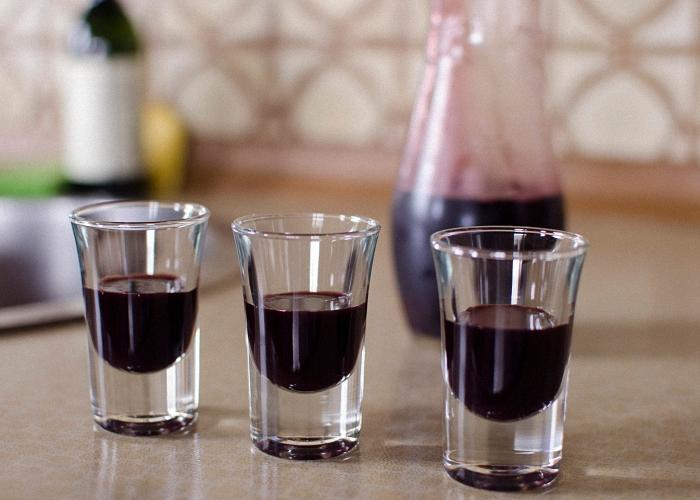 Как приготовить наливку из черноплодной рябины в домашних условиях 581