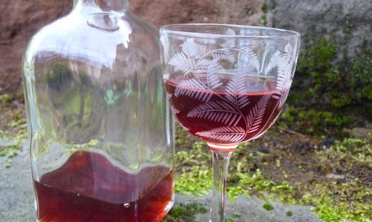 Ликер из вишневых косточек