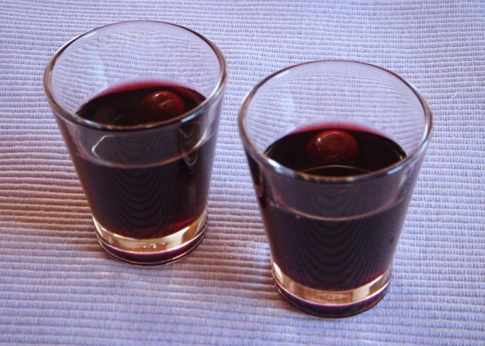 Напиток можно будет пить в чистом виде из небольших рюмочек