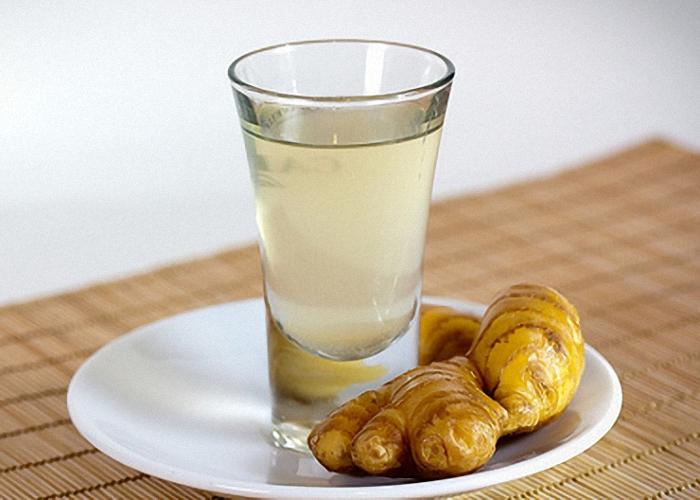 Пить имбирную настойку охлажденной