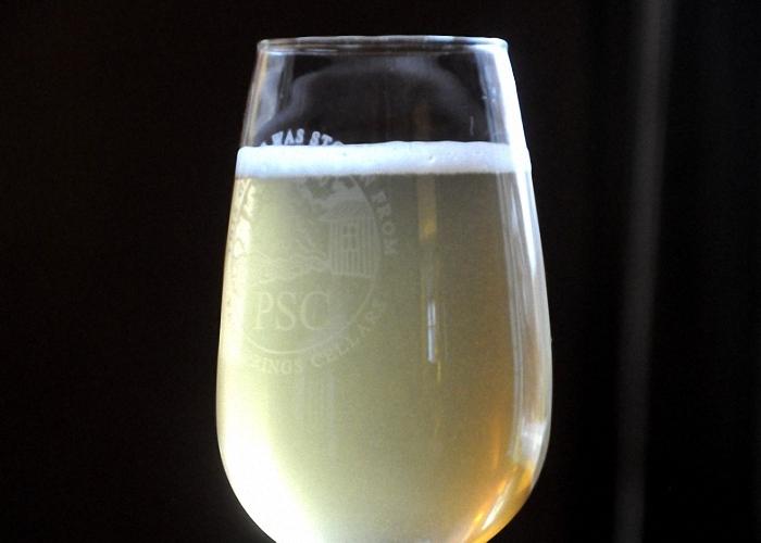 Вино с медом и лимоном