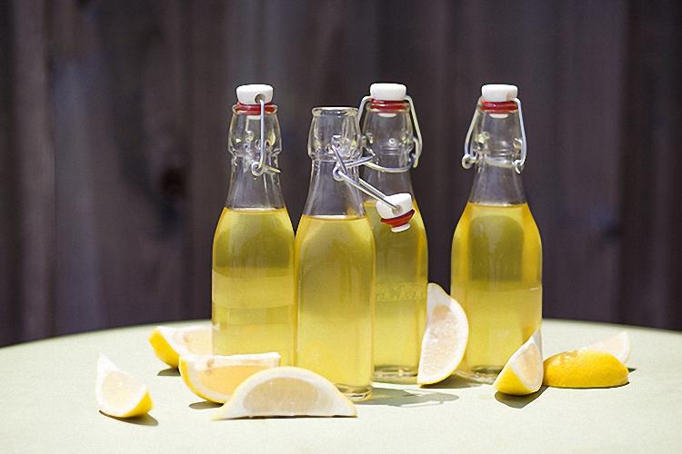 Хранить настойку из лимонов в прохладном месте
