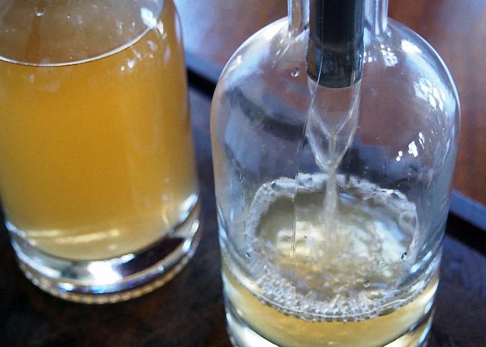 Приготовить водку из спирта в домашних условиях 662