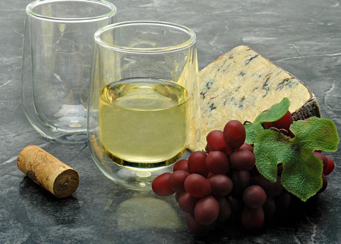 Белое вино из яблочного и рябинового сока