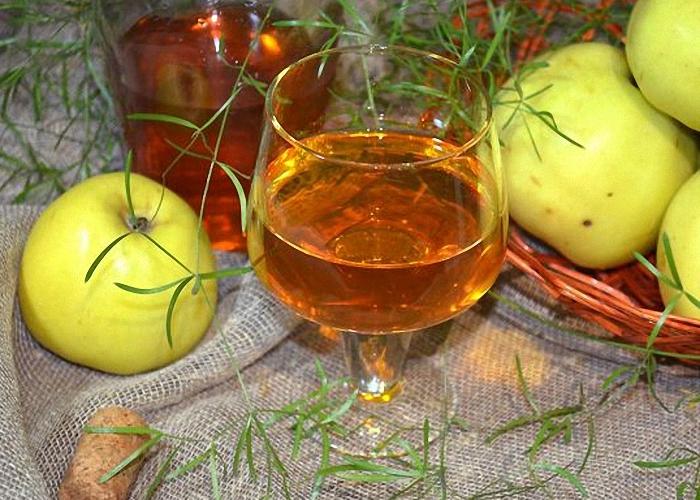 Домашнее вино из яблочного варенья