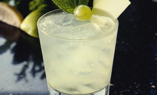Коктейль из джина виски и лимонного сока
