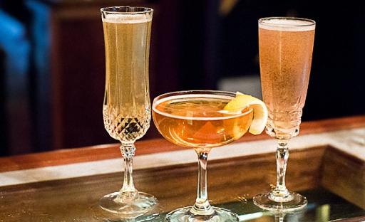 Коктейль из шампанского с виски