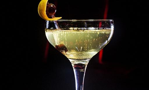 Коктейль из виски с абсентом Глазго