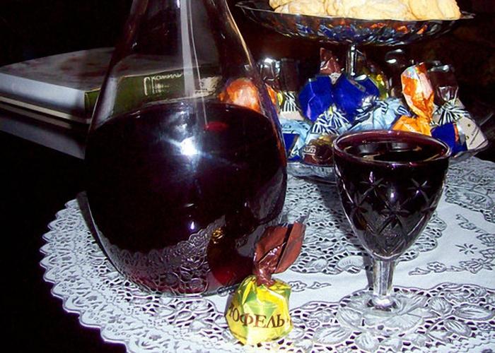 Настойка черной смородины на водке