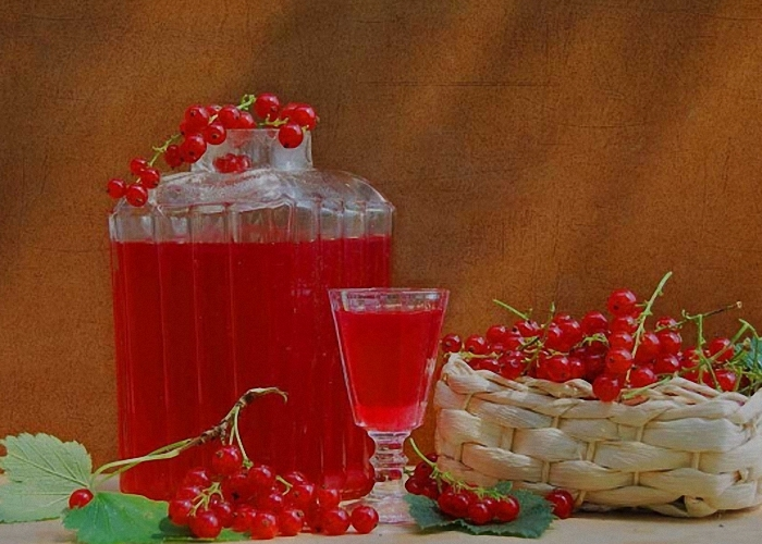 Настойка красной смородины на водке