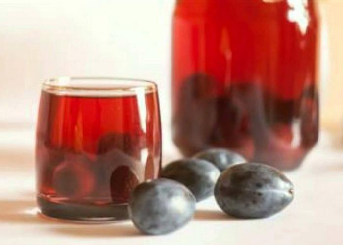 Настойка из сливы в домашних условиях: рецепты на водке, самогоне, коньяке